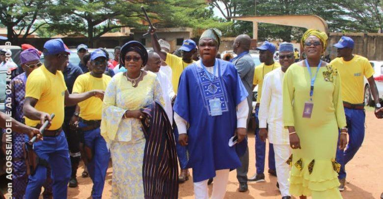 Jacques AYADJI et les membres du Bureau Politique du Moele-Bénin